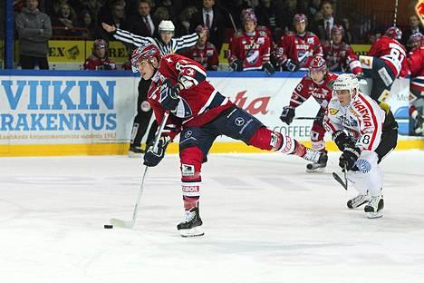 Iiro Pakarinen teki HIFK:n toisen maalin.