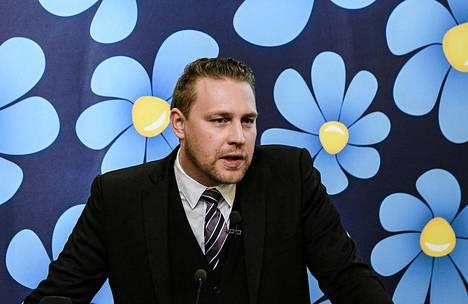 Ruotsidemokraatteja tällä hetkellä johtava Mattias Karlsson.