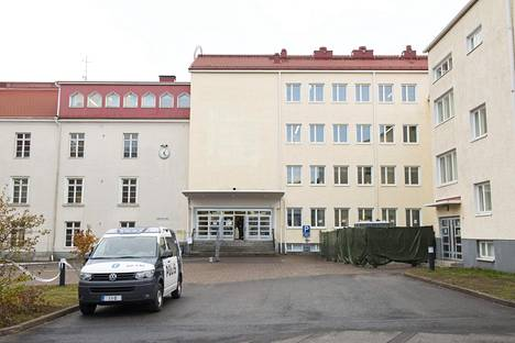 Poliisi oli paikalla Tornion järjestelykeskuksessa lokakuussa.
