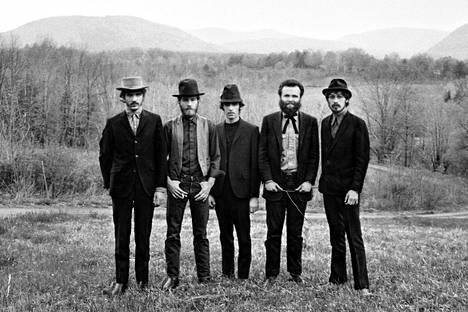 Vuonna 1967 perustettu The Band lukeutuu rockhistorian legendoihin. Se niitti mainetta niin Bob Dylanin taustabändinä kuin omillaan, kunnes hajosi vuonna 1977.
