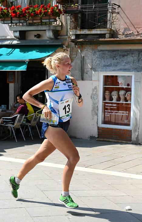 Suomen Marika Teini MM-suunnistuskisoissa Venetsiassa.