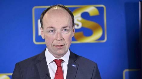 Jussi Halla-aho kertoi puolueen säästölinjasta tiedotustilaisuudessa torstaina.