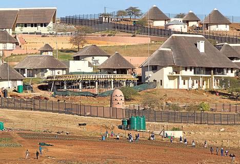 Kesällä 2012 otetussa kuvassa näkyy presidentti Zuman omistama tila.