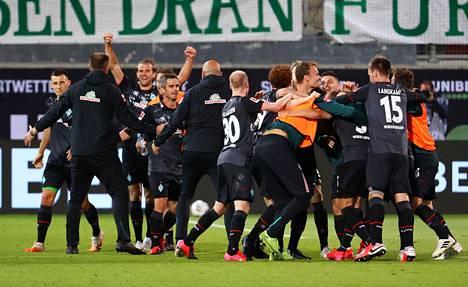 Werder Bremen säilyi Saksan Bundesliigassa.