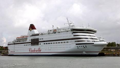 Viking Line myy tällä hetkellä ruotsalaisille risteilyjä vain Viking Cinderella -laivalle.