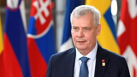 Pääministeri Antti Rinne saapui EU-johtajien kokoukseen Brysselissä tiistaina.