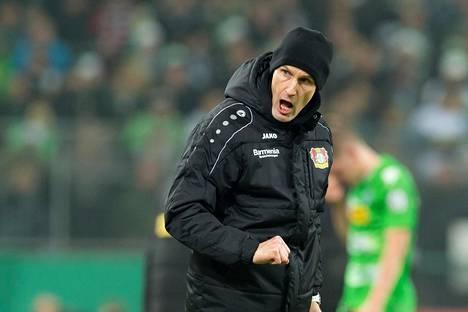 Heiko Herrlichin Bayer Leverkusen eteni jatkoon Saksan cupissa.
