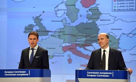 EU-komission varapuheenjohtaja Jyrki Katainen ja talouskomissaari Pierre Moscovici kertoivat heikentyneistä talousennusteista.