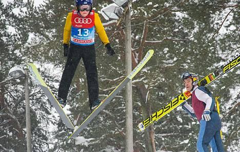 Andreas Helanne (vas.) ja Matti Kaseva ovat  mäkihyppymestareita molemmat.
