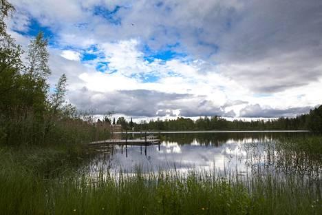 Kesäinen mökkiranta Sysmässä vuonna 2010.