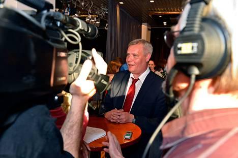 Antti Rinne haastattelussa kun ennakkoäänien tulokset oli saatu laskettua.