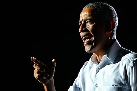 Yhdysvaltain entinen presidentti Barack Obama puhui marraskuun presidentinvaalit voittaneen Joe Bidenin kampanjatilaisuudessa Miamissa Floridassa 2. marraskuuta.