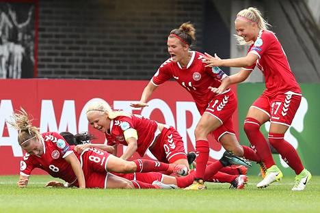 Tanska juhli 2–1-maalia villisti.