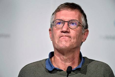 Ruotsin valtionepidemiologin Anders Tegnellin mukaan maan koronatilanne näyttää vaikealta vielä lähiviikkoina, mutta se voisi lähteä sen jälkeen kehittymään parempaan suuntaan. Tegnell kuvattu tiedotustilaisuudessa lokakuussa 2020.
