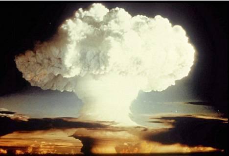 Yhdysvaltain ydinkoe vuonna 1954.