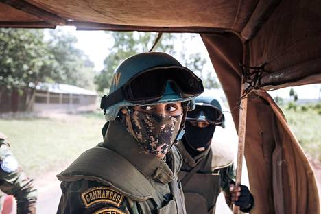 Egyptiläiset YK:n rauhanturvaajat partioivat Banguissa kaksi päivää ennen parlamentti- ja presidentinvaaleja perjantaina.