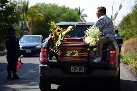 Meksikolaisen toimittajan Jorge Ruiz Vazquezin arkkua kuljetettiin Actopanissa elokuun alussa. Vazquez oli tuolloin jo kolmas surmattu meksikolainen toimittaja viikon sisällä.