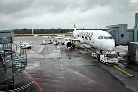Finnairin lentoihin saattaa tulla peruutuksia lentäjäpulan vuoksi.