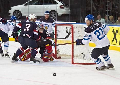 Valko-Venäjä järjesti jääkiekon MM-turnauksen ensimmäisen kerran vuonna 2014. Alkulohkossa Suomi kohtasi USA:n ja ylsi lopulta finaaliin asti.