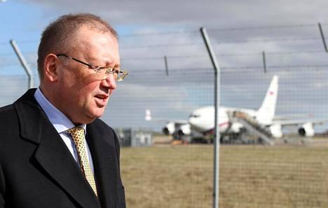 Venäjän Britannian-suurlähettiläs Aleksandr Jakovenko Stanstedissa maaliskuussa.