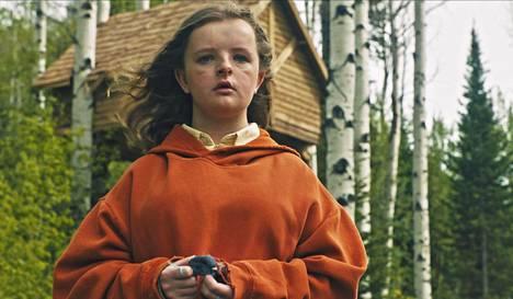 Milly Shapiro esittää arvoituksellista tyttöä elokuvassa Hereditary – pahan perintö (2018).