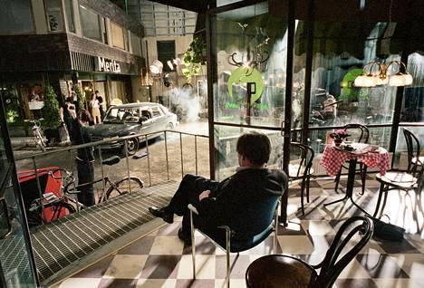 Taikin elokuvataiteen osasto teki elokuvaa studioon rakennetussa ulkotilassa vuonna 2002.