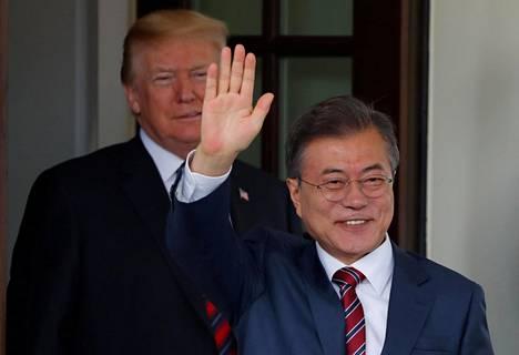 Etelä Korean presidentti Moon Jae-in saapui tiistaina Valkoiseen taloon.