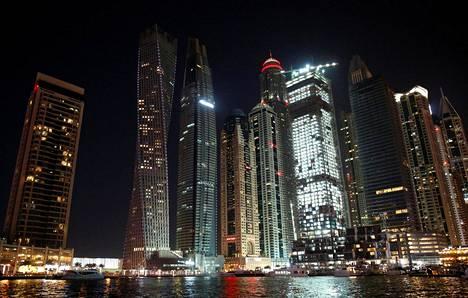 Huvijahteja laiturissa Dubaissa viime joulukuussa.