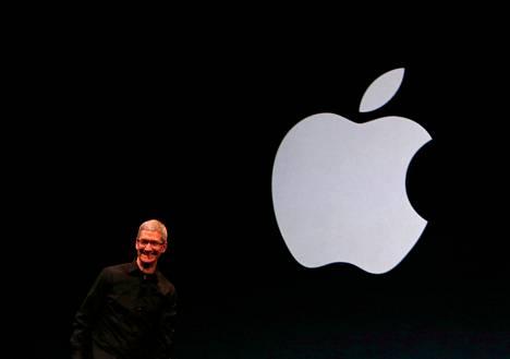 Toimitusjohtaja Tim Cook esitteli keskiviikkona San Franciscossa Yhdysvalloissa Applen uuden puhelimen.