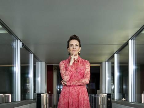 Maria Veitola palkittiin vuoden 2020 mediapersoonana.