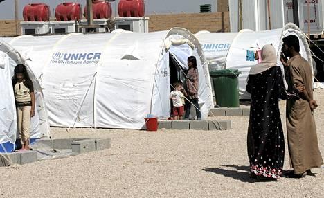 Syyriasta on paennut Irakiin 16 000 ihmistä. Kuva al-Qaimin pakolaisleiriltä.
