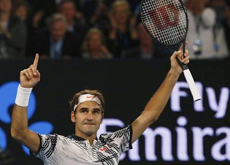 Roger Federer raivasi tiensä finaaliin.