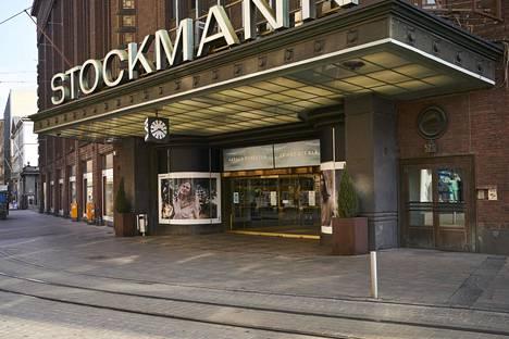 Stockmannin pääsisäänkäynti Aleksanterinkadulle.