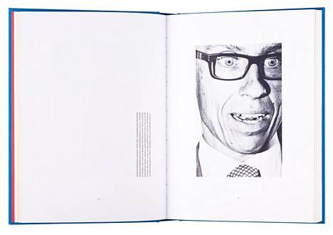 Sakari Piipon valokuvateos käsittelee suomalaista demokratiaa.