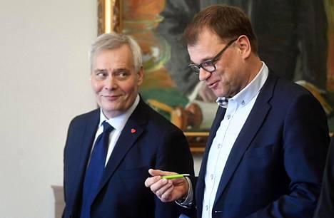 Antti Rinteen (vas.) johtama sosiaalidemokraatit ja Juha Sipilän toistaiseksi johtama keskusta ovat ajaneet hallitusneuvotteluissa tiukkaa linjaa turvapaikkapolitiikassa.