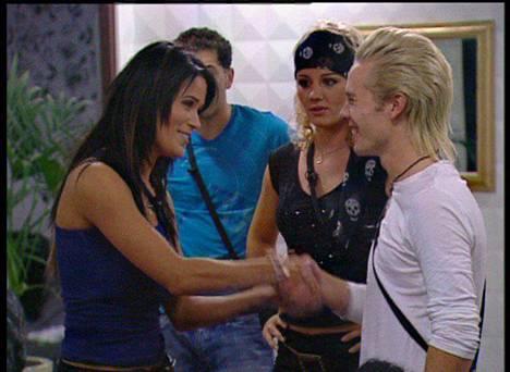 Martina Aitolehti ja Sauli Koskinen Big Brotherin kolmannella kaudella 2007. Aitolehti oli tässä vaiheessa kohonnut jo julkisuudenhenkilöksi. Hän oli ensimmäinen Big Brotheriin osallistunut julkisuuden henkilö Suomessa.