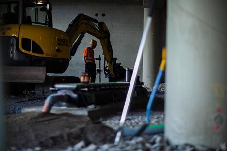 Osa rakennusalan ammateista vapautettiin viime huhtikuussa työlupamenettelyn saatavuusharkinnasta työvoimapulan takia.