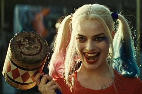 Harley Quinn (Margot Robbie) on vaarallinen hullu.