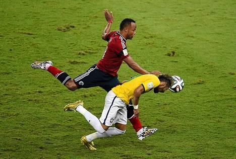 Tässä tilanteessa Neymar loukkaantui.