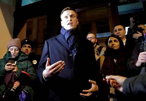 Aleksei Navalnyi puhui lehdistölle viime viikolla Moskovassa.