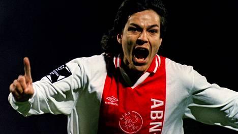 Jari Litmanen tuuletti tekemäänsä maalia Mestareiden liigan välierässä Bayern Münchenia vastaan huhtikuussa 1995. Ajax voitti yhteismaalien 5–2 ja eteni finaaliin. Kauden 1994–1995 Mestareiden liigassa Litmanen teki kaikkiaan kuusi maalia.