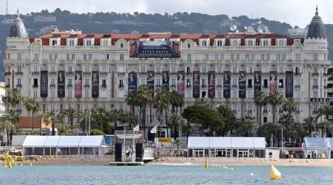 Hotelli Carlton Cannesissa.
