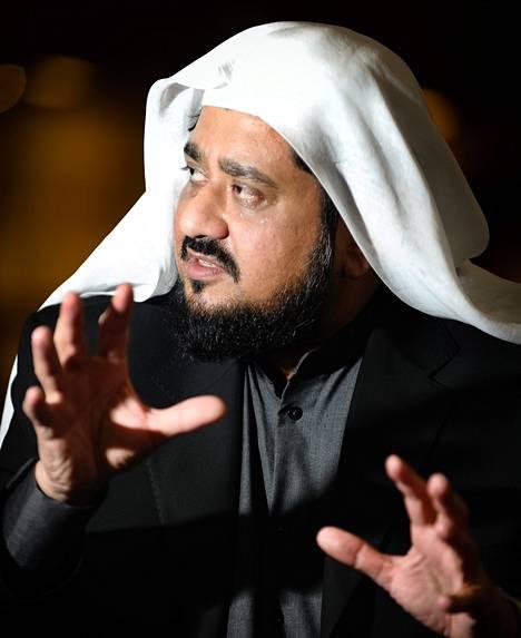 """Abdulqahir Qamar johtaa fatwaosastoa islamilaisessa akatemiassa Saudi-Arabian Jeddassa. """"Suomen muslimit ovat tervetulleita ottamaan yhteyttä ja kysymään tarvittaessa neuvoa."""""""