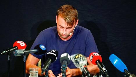 Petter Northug joutui elokuussa selittelemään medialle kaahailuaan ja päihdeongelmaansa. Northug myy parhaillaan Jaguariaan, jolla ajoi kovaa ylinopeutta Oslon lähellä.