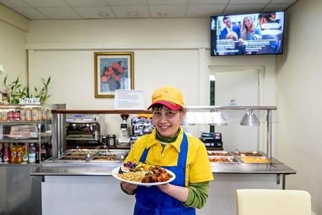 Ravintola Loving Hutin yrittäjä Tina Tran uskoo hyvän vegaaniruoan tekevän lopulta maailmasta paremman paikan.