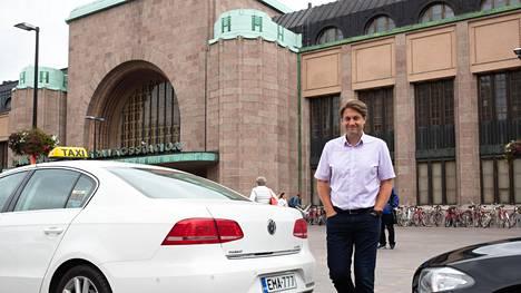 Maas Globalin toimitusjohtaja Sampo Hietanen harmittelee HSL:n lippujen jälleenmyynnin vaikeutta.