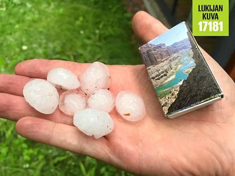 Lappeenrannassa satoi maanantaina myös isoja rakeita.