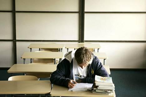 Elinkeinoelämän keskusliiton tavoitteena on, että jokainen peruskoulun päättävä osaisi sujuvasti lukea, kirjoittaa ja laskea.