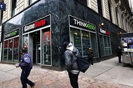 Myös suomalaiset ovat jalkautuneet New Yorkin pörssiin ostoksille esimerkiksi Gamestopin osakkeen pariin.