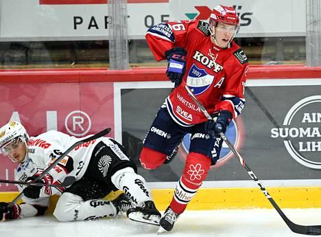 HIFK:n ykkösketjun keskushyökkääjä Jere Sallinen teki kaksi maalia JYPiä vastaan. Roni Allén jäi kaksinkamppailussa kakkoseksi.